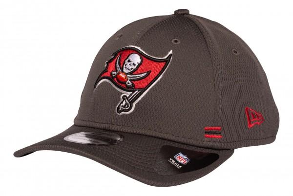 New Era - NFL Tampa Bay Buccaneers OnField 2020 Sideline Home 39Thirty Stretch Cap - Grau Ansicht vorne schräg links