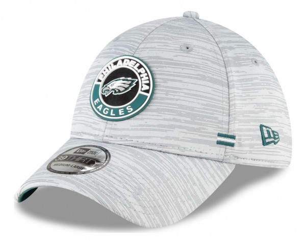 New Era - NFL Philadelphia Eagles OnField 2020 Sideline Road 39Thirty Stretch Cap - Grau Ansicht vorne schräg links