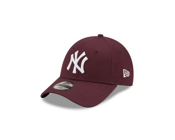 New Era - MLB New York Yankees League Essential 9Forty Kids Strapback Cap - Weinrot Ansicht vorne schräg links