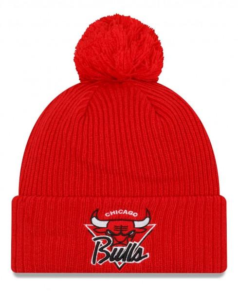 New Era - NBA Chicago Bulls 2021 Tip Off Knit Bobble Beanie - Rot Vorderansicht