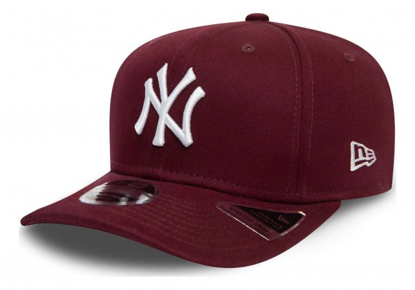 New Era - MLB New York Yankees Colour Essential 9Fifty Stretch Snapback Cap - Rot Ansicht vorne schräg links