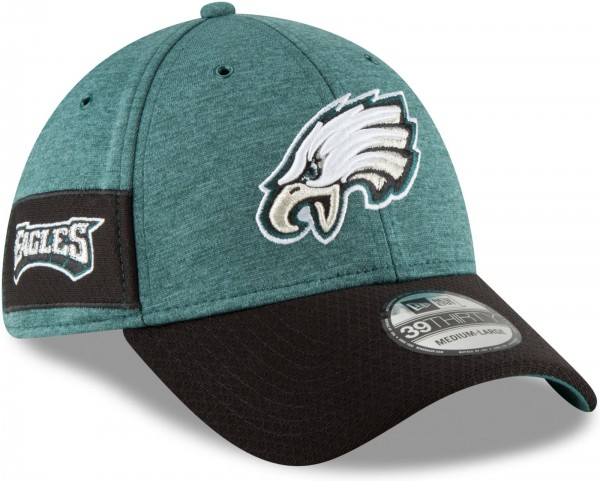 New Era - NFL Philadelphia Eagles 2018 Sideline Home 39Thirty Stretch Cap - Grün schräg vorne rechts