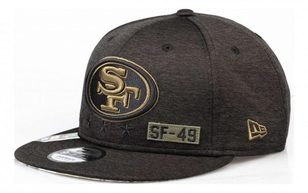 New Era - NFL San Francisco 49ers 2020 Salute to Service 9Fifty Snapback Cap - Grau Ansicht vorne schräg links