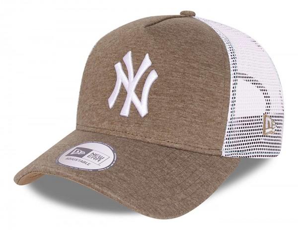 New Era - MLB New York Yankees Jersey Trucker Snapback Cap - Beige Ansicht vorne schräg links