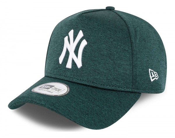 New Era - MLB New York Yankees Tonal Team Trucker Snapback Cap - Grün Ansicht vorne schräg links