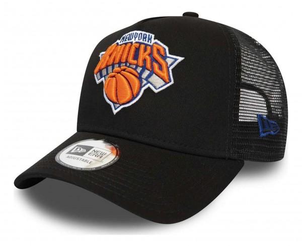 New Era - NBA New York Knicks Dark Base Team Trucker A-Frame Snapback Cap - Schwarz Ansicht vorne schräg rechts