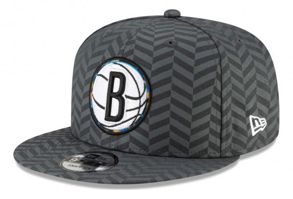 New Era - NBA Brooklyn Nets 2020 City Series Alternate 9Fifty Snapback Cap - Grau Ansicht vorne schräg links