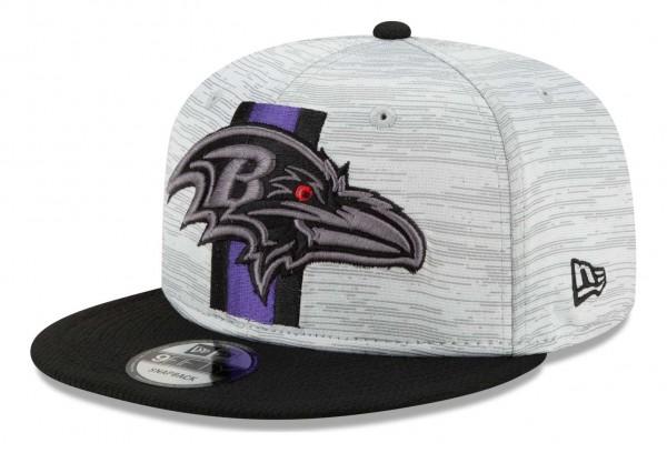 New Era - NFL Baltimore Ravens 2021 Training 9Fifty Snapback Cap - Grau-Schwarz Ansicht vorne schräg links
