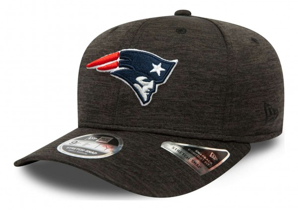 New Era - NFL New England Patriots Total Shadow Tech 9Fifty Stretch Snapback Cap - Grau Ansicht vorne schräg links