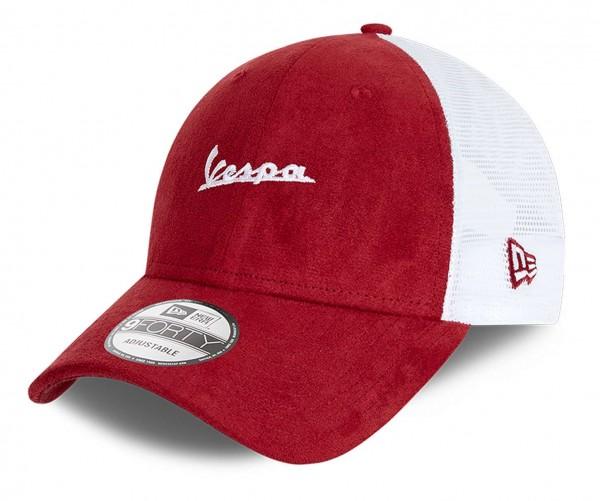 New Era - Vespa Suede 9Forty Trucker Strapback Cap - Rot Ansicht vorne schräg links