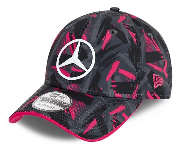 New Era - Mercedes eSports Replica AOP 9Forty Strapback Cap - Schwarz Ansicht vorne schräg links
