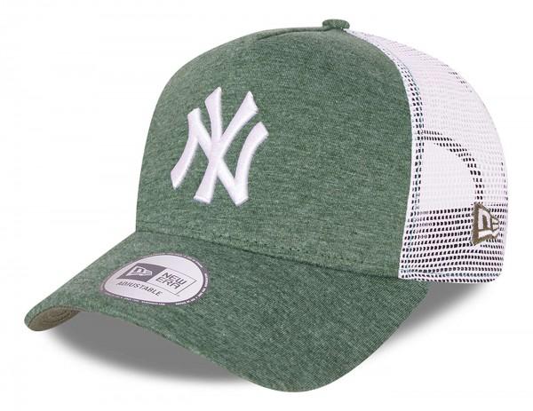 New Era - MLB New York Yankees Jersey Trucker Snapback Cap - Grün Ansicht vorne schräg links
