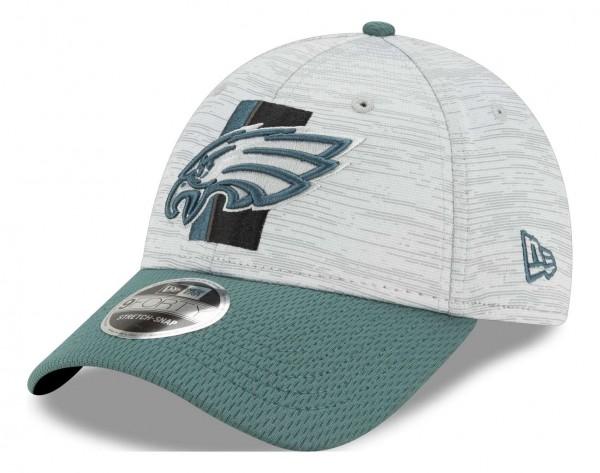New Era - NFL Philadelphia Eagles 2021 Training 9Forty Snapback Cap - Grau-Grün Ansicht vorne schräg links