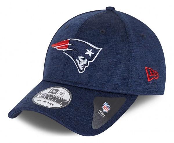 New Era - NFL New England Patriots Shadow Tech 9Forty Strapback Cap - Blau Ansicht vorne schräg links