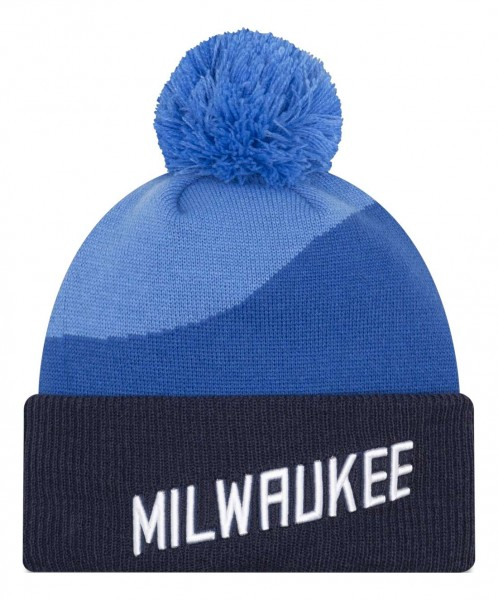 New Era - NBA Milwaukee Bucks 2020 City Series Official Knit Bobble Beanie - Blau Vorderansicht