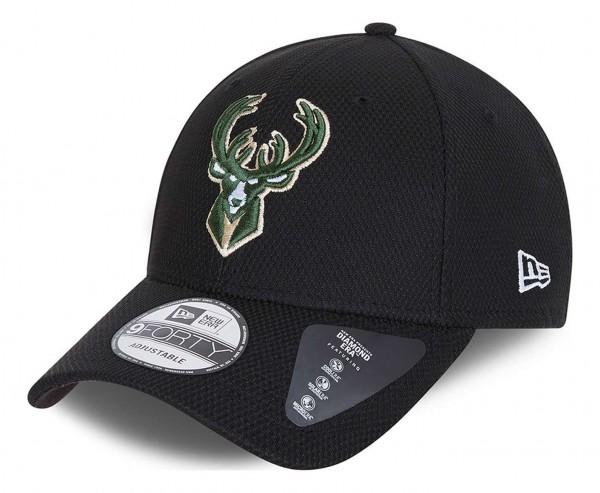 New Era - NBA Milwaukee Bucks Diamond Era 9Forty Strapback Cap - Schwarz Ansicht vorne schräg links