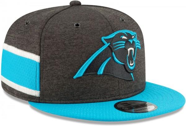 New Era - NFL Carolina Panthers 2018 Sideline Home 9Fifty Snapback Cap - Grau schräg vorne rechts