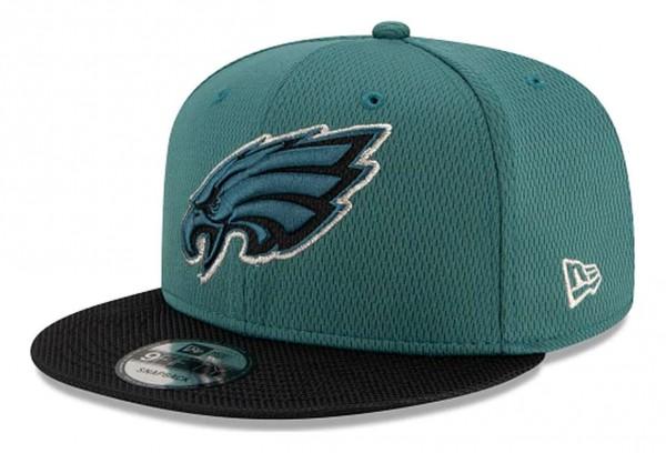 New Era - NFL Philadelphia Eagles 2021 Sideline Road 9Fifty Snapback Cap - Grün Ansicht vorne schräg links