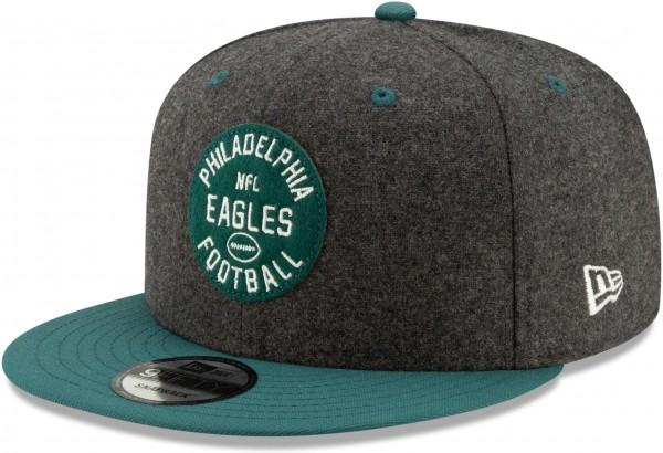 New Era - NFL Philadelphia Eagles On Field 2019 Sideline Home 9Fifty Snapback Cap - Schwarz Ansicht schräg rechts