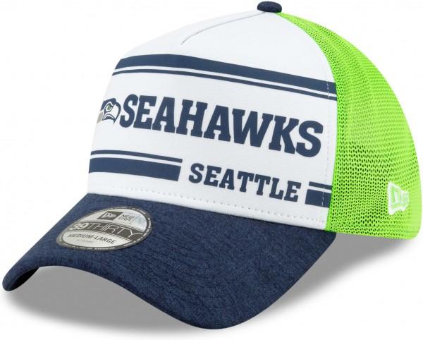 New Era - NFL Seattle Seahawks On Field 2019 Sideline Home 39Thirty Stretch Cap - Mehrfarbig Ansicht schräg links