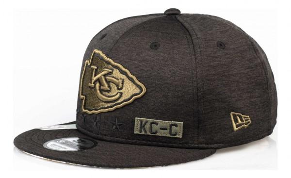 New Era - NFL Kansas City Chiefs 2020 Salute to Service 9Fifty Snapback Cap - Grau Ansicht vorne schräg links