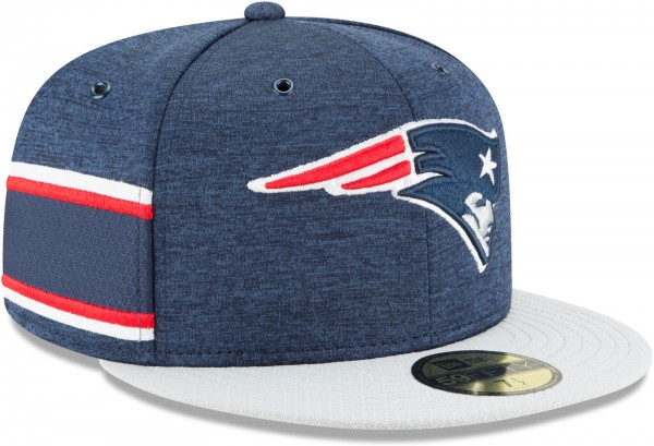 New Era - NFL New England Patriots 2018 Sideline Home 59Fifty Fitted Cap - Blau schräg vorne rechts