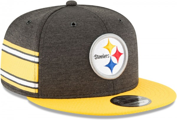 New Era - NFL Pittsburgh Steelers 2018 Sideline Home 9Fifty Snapback Cap - Grau schräg vorne rechts
