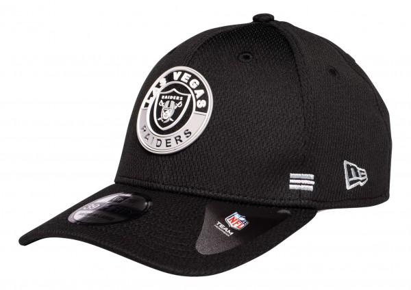New Era - NFL Las Vegas Raiders OnField 2020 Sideline Road Alternative 39Thirty Stretch Cap - Schwarz Ansicht vorne schräg links