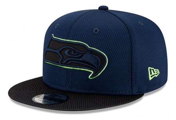 New Era - NFL Seattle Seahawks 2021 Sideline Road 9Fifty Snapback Cap - Blau Ansicht vorne schräg links