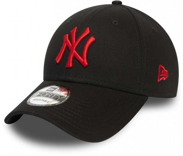 New Era - MLB New York Yankees League Essential 9Forty Snapback Cap - Schwarz Ansicht vorne schräg links