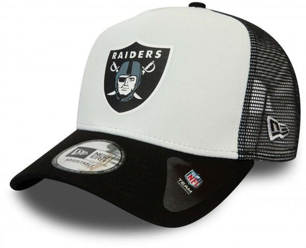 New Era - NFL Las Vegas Raiders Colour Block Trucker Snapback Cap - Schwarz-Weiß Ansicht vorne schräg links