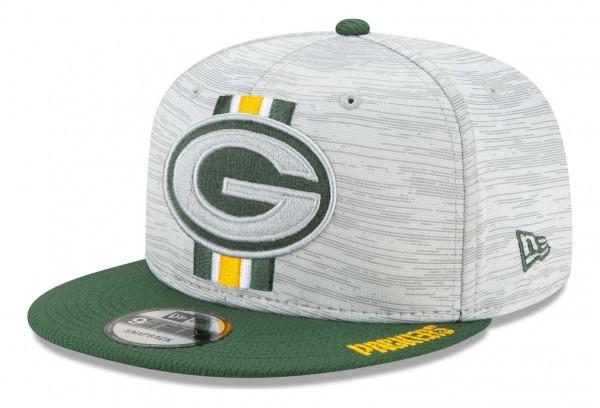 New Era - NFL Green Bay Packers 2021 Training 9Fifty Snapback Cap - Grau-Grün Ansicht vorne schräg links