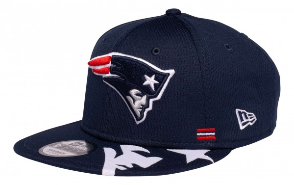 New Era - NFL New England Patriots OnField 2020 Sideline Home 9Fifty Snapback Cap - Blau Ansicht vorne schräg links