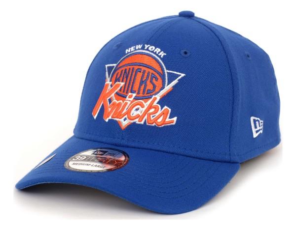 New Era - NBA New York Knicks 2021 Tip Off 39Thirty Stretch Cap - Schwarz Ansicht vorne schräg links
