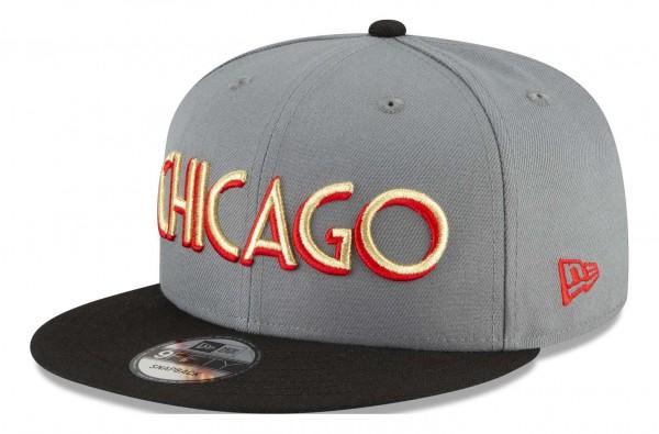 New Era - NBA Chicago Bulls 2020 City Series Official 9Fifty Snapback Cap - Grau Ansicht vorne schräg links