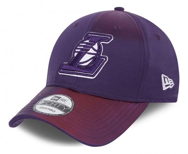 New Era - NBA Los Angeles Lakers Home Field 9Forty Trucker Strapback Cap - Blau Ansicht vorne schräg links