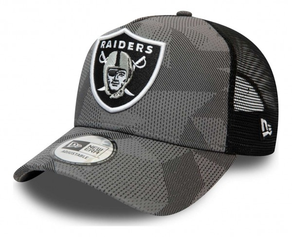 New Era - MLB Las Vegas Raiders Multi Camo Trucker Snapback Cap - Grün Ansicht vorne schräg links