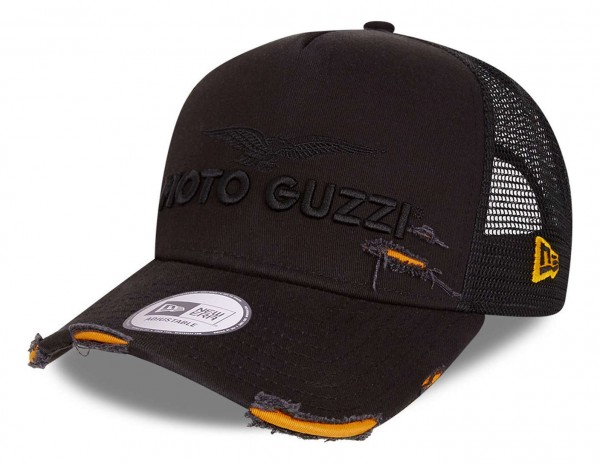 New Era - Moto Guzzi Distressed 9Forty Trucker Strapback Cap - Schwarz Ansicht vorne schräg links