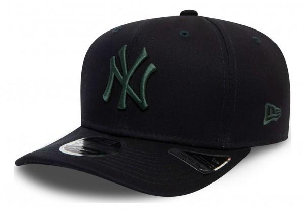 New Era - MLB New York Yankees Colour Essential 9Fifty Stretch Snapback Cap - Blau Ansicht vorne schräg links