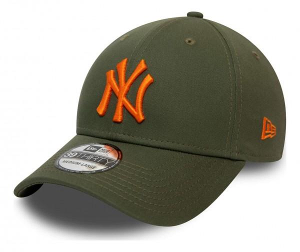 New Era - MLB New York Yankees League Essential 39Thirty Stretch Cap - Rot Ansicht vorne schräg links