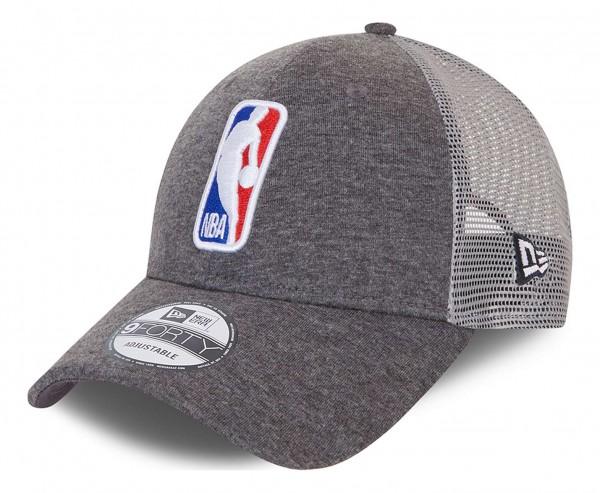 New Era - NBA Home Field Logo 9Forty Trucker Snapback Cap - Grau Ansicht vorne schräg links