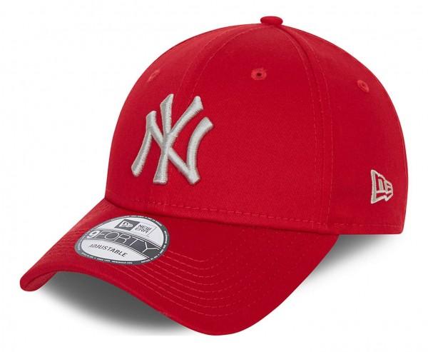 New Era - New York Yankees League Essential 9Forty Strapback Cap - Rot Ansicht vorne schräg links