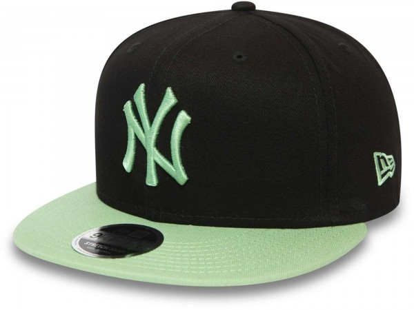 New Era - MLB New York Yankees League Essential 9Fifty Snapback Cap - Schwarz Ansicht vorne schräg links