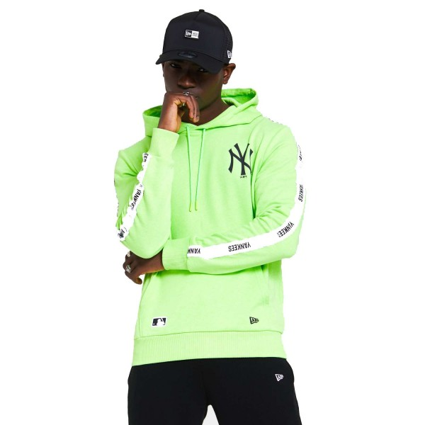 New Era - MLB New York Yankees Sleeve Taping Hoodie - Grün Vorderansicht