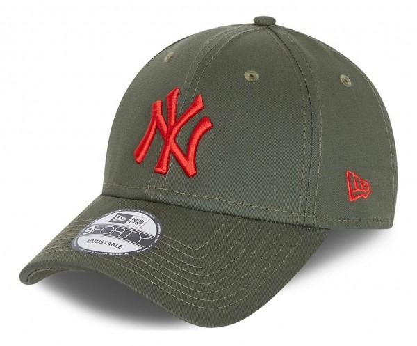 New Era - MLB New York Yankees League Essential 9Forty Strapback Cap - Grün Ansicht vorne schräg links