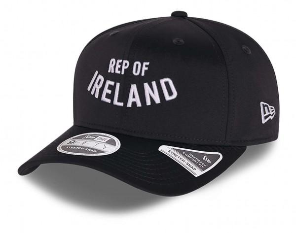 New Era - Football Association of Ireland Wordmark 9Fifty Stretch Snapback Cap - Schwarz Ansicht vorne schräg links