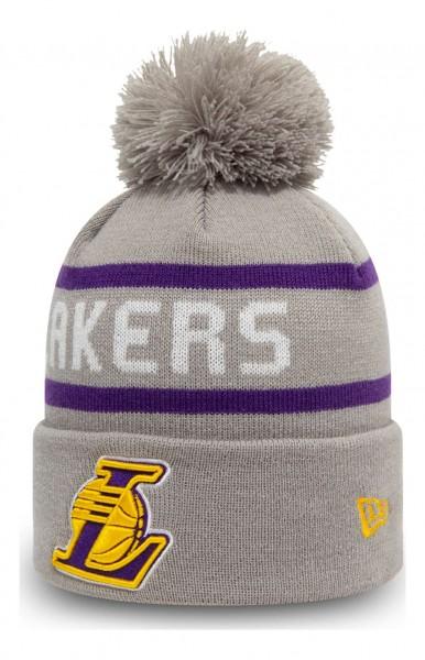 New Era - NBA Los Angeles Lakers Jake Cuff Knit Bobble Beanie - Grau Ansicht vorne schräg links